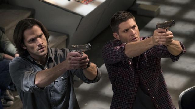 sam and dean guns.jpg